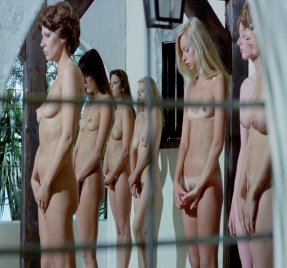 Nackt ausgepeitscht frauen Frauen Ausgepeitscht